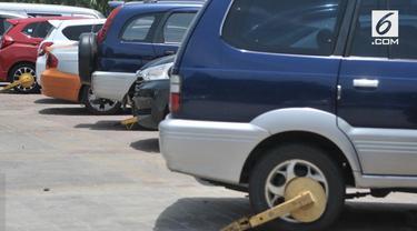 Pemprov DKI Jakarta mewajibkan tiap pemilik mobil di Jakarta juga memiliki garasi. Hal tersebut sesuai dengan Perda Nomor 5 Tahun 2014