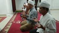 Tarekat Naqsabandiyah Al Kholidiyah Jalaliyah di Sumatera Utara (Sumut) menetapkan Hari Raya Idul Fitri 1442 Hijriah pada Rabu, 12 Mei 2021