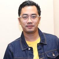 Dennis Adhiswara pilih tahun baru di Jakarta (Fimela.com/Nurwahyunan)