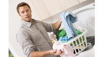 Jangan sembarangan memasukkan semua benda ke dalam mesin cuci bila tak ingin mesin cepat rusak. Apa saja yang tak boleh dimasukkan?