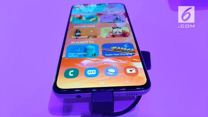 Samsung Galaxy A70. (Liputan6.com/ Devira Prastiwi)