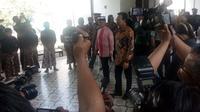 Rombongan Raja Malaysia datang ke kraton Yogyakarta unutk kunjungan kenegaraan. Setelah bertemu dengan Joko Widodo Ia bertemu dengan Sultan HB X.