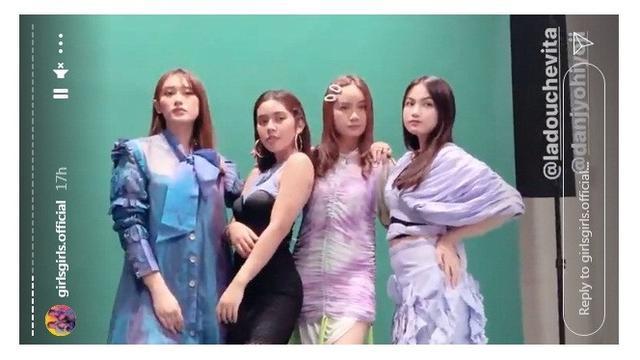 Debut dalam Girlgrup, Ini 7 Potret Kompak Amanda Caesa dengan Member Girls Girls