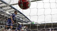 Chelsea kalah dari Crystal Palace pada lanjutan liga Premier Inggris di Stadion Stamford Bridge. (AFP Photo/Ian Kington)