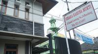 Vihara Karuna Mukti di Jalan Pasundan berdampingan dengan Masjid As Salam di Jalan Sasak Gantung, Kota Bandung. Sebanyak dua wilayah RW di Kelurahan Balonggede menjadi Kampung Toleransi. (Liputan6.com/Huyogo Simbolon)