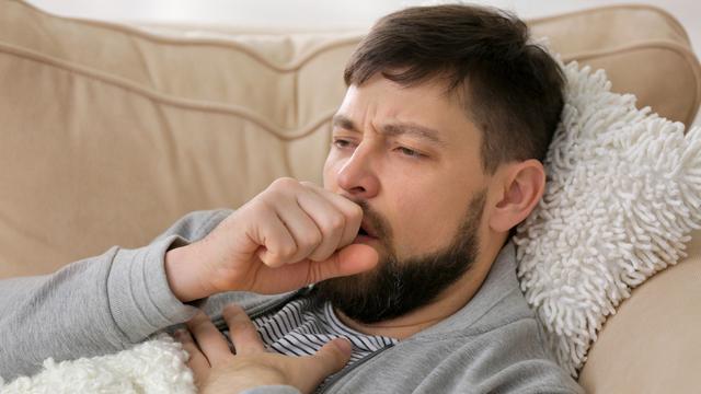 Sering Batuk dan Demam? Waspada 3 Penyakit Ini! (Africa Studio/Shutterstock)
