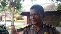 Kepala Seksi Propam Polres Garut Iptu Amat Rahmat mengatakan Salah seorang polisi yang beraksi bak koboi di sebuah tempat karaoke di Garut terancam sanksi lebih berat dari rekannya. (Liputan6.com/Jayadi Supriadin)