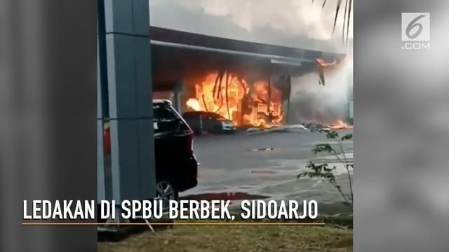 SPBU Berebek, Sidoarjo meledak dan terbakar. Akibatnya satu orang tewas.