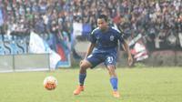 Pemain sayap, Muhammad Ridwan menjadi pahlawan kemenangan PSIS Semarang saat mengalahkan Persipon Pontianak 1-0 di Stadion Jatidiri, Semarang, Kamis (27/4/2017). (Bola.com/Ronald Seger Prabowo)