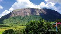 Bukit Kelam di Kabupaten Sintang, Kalimantan Barat bukanlah sebuah bukit biasa. Ia adalah sebuah batu raksasa setinggi 1.002 mdpl.