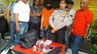 Eep ditangkap setelah merampas telepon genggam milik D, seorang pengemudi taksi 'online'. (Liputan6.com/Aditya Prakarsa)