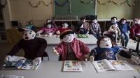 Pulau Shikoku di Jepang memiliki penduduk yang semuanya boneka. Boneka tersebut adalah karya tangan dari seniman bernama Ayano Tsukimi. (Foto: Unusualplaces.org)