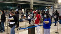 Calon penumpang pesawat tengah memproses keberangkatan domestik di Terminal 3 Bandara Soekarno-Hatta. Dok AP II
