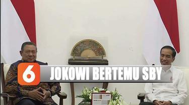 Presiden Joko Widodo bertemu dengan Susilo Bambang Yudhoyono di Istana Merdeka.