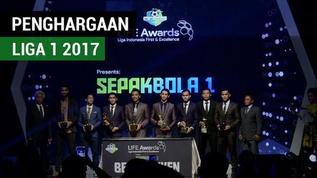 Berita video acara malam penghargaan Liga 1 2017 di Hotel Mulia, Jakarta, Jumat (22/12/2017). Siapa saja pemain yang menerima penghargaan?