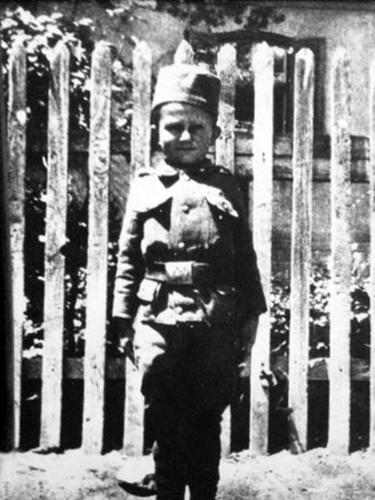 Gavric Momcilo, bocah 8 tahun yang jadi tentara termuda di Perang Dunia I
