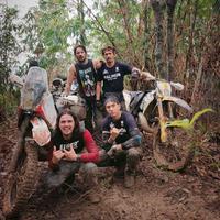 Darius Sinathrya memberikan bantuan di Lebak, Banten (Instagram/darius_sinathrya)