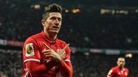 Penyerang Bayern Munchen, Robert Lewandowski menempati urutan ketiga klasemen sementara top scorer Bundesliga, Lewandowski  baru mengoleksi 21 gol hingga pekan ke-25. (EPA/Christian Bruna)