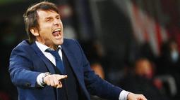 Antonio Conte - Tangan dingin pelatih asal Italia ini tak perlu diragukan lagi. Memenangkan gelar liga bersama Juventus, Chelsea dan Inter Milan merupakan bukti kepiawaiannya dalam meramu tim menjadi juara. (AFP/Vincenzo Pinto)