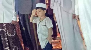 Jan Ethes, cucu Jokowi