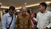 Mantan Kas Kostrad Kivlan Zen saat akan menjalani pemeriksaan di Gedung Bareskrim Mabes Polri, Jakarta, Senin (13/5/2019). Saat ini, Mabes Polri telah mencabut status cegah kepada Kivlan Zen. (merdeka.com/Iqbal Nugroho)