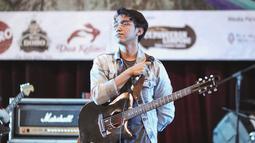 Pada tahun 2015 Vadi sudah keluarkan album solo berjudul 'Berujung Terang'. (Liputan6.com/IG/@vadieakbar)
