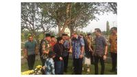 Momen Haru Pertemuan Habibie dan SBY Saat Ziarah di Makam Istri (sumber:Twitter/@AndiArief__)