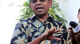 Menteri Sosial, Idrus Marham memberi keterangan pers kepada wartawan di Istana, Jakarta, Jumat (24/8). KPK menetapkan Idrus Marham sebagai tersangka terkait dugaan kasus dugaan suap proyek pembangunan PLTU Riau-1. (Liputan6/Pool/Gar)