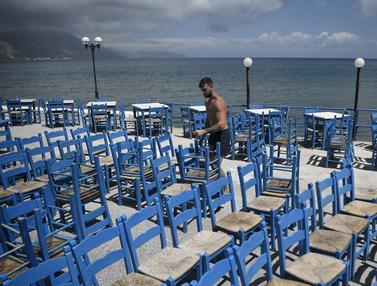 FOTO: Yunani Bersiap Menyambut Turis Internasional