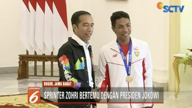 Jokowi berpesan, sebagai seorang atlet Zohri semangat berlatih dan tetap rendah hati serta terus berjuang untuk meraih prestasi yang lebih baik lagi.