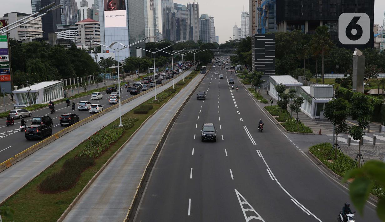 Foto Tak Lagi Padat Kini Ruas Jalan Jakarta Terlihat Lengang News Liputan6 Com