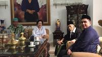 Ketua Umum DPP PDIP Megawati Soekarnoputri dan Mbah Maimoen Zubair, ulama sepuh Nahdlatul Ulama (NU). (Istimewa)