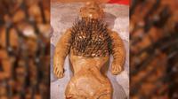 Boneka voodoo di Museum of Witchcraft. (Sumber Wikimedia Commons)