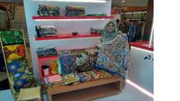 Efi Utayati warga Cirebon yang mendunia karena Batik. Foto (Istimewa)