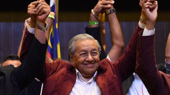Mahathir Mohamad mencetak kemenangan bersejarah di Pemilu Malaysia 2018 (AFP)#source%3Dgooglier%2Ecom#https%3A%2F%2Fgooglier%2Ecom%2Fpage%2F%2F10000