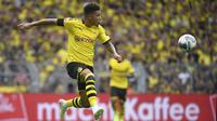 5. Jadon Sancho (Borussia Dortmund) - Sancho bisa menjadi pemain sayap kanan Mancherster United, Sancho tercatat telah menyumbangkan 12 gol dan 13 assist untuk Dortmund sepanjang musim 2019-2020.(AFP/Ina Fassbender)