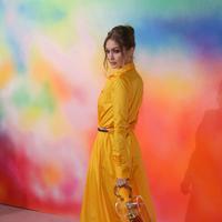 Penampilan supermodel Gigi Hadid saat menghadiri New York Fashion Week (NYFW), Minggu (9/9). NYFW berlangsung pada 6 September hingga 14 September 2018. (Photo by Brent N. Clarke/Invision/AP)