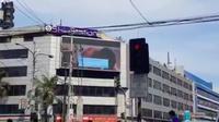 Video porno yang tayang disebuah papan iklan membuat heboh pengguna jalan di Filiphina. (Viral4Real)