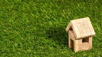Untuk mereka yang berencana menghemat bujet, membeli tanah dan membangun rumah di atasnya merupakan opsi yang bijak.