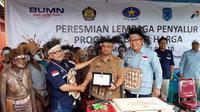 Peresmian BBM satu harga di Distrik Sawa Erma, Kabupaten Asmat. (Liputan6.com/Katharina Janur)
