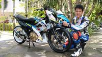 Rafid Topan berpose dengan motor baru untuk Indoprix (istimewa)