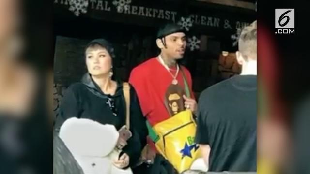 Kabar mengenai kedekatan antara Chris Brown dan Agnez Mo tampaknya kembali memanas.