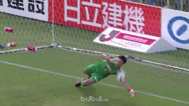 Takuto Hayashi tampil gemilang selamatkan kemenangan 1-0 Sanfrecce Hiroshima di markas Kashiwa Reysol dengan sederet penyelamatan ...