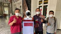Robot penerima tamu di Kantor Wali Kota Semarang.