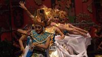 Pertunjukan tari tradisional Bali di Graha Bhakti Budaya, Taman Ismail Marzuki, Jumat-Sabtu (2-3 Maret 2019). (dok. Instagram @blitudik/https://www.instagram.com/p/BuoK7ioBiwZ/Esther Novita Inochi)