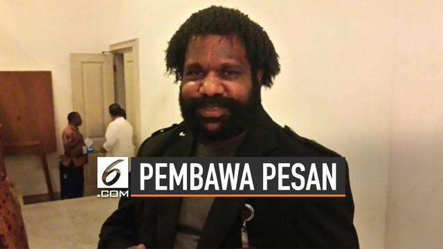 Lenis Kogoya punya peran penting dalam penyelesaian konflik Papua. Ia adalah Ketua Masyarakat Adat Tanah Papua.
