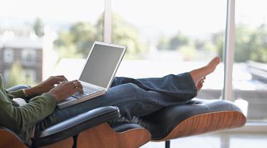 Kiat Mengatur Jam Kerja Ala Freelancer