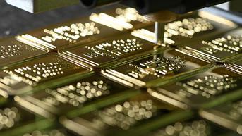 Harga Emas Naik Tipis Usai Sentuh Level Terendah dalam 2 Pekan