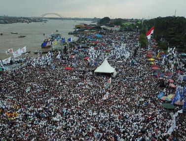 Ribuan Massa Pendukung Hadiri Kampanye Prabowo di Palembang