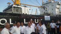 Menteri Perhubungan Budi Karya Sumadi melepas Kapal Tol Logistik Natuna di Pelabuhan Tanjung Priok.